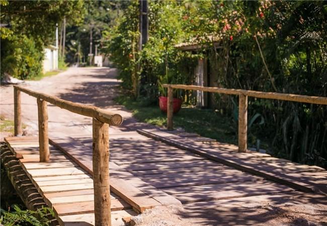 Depois de 20 anos, prefeitura recupera ponte sobre o rio Yaya