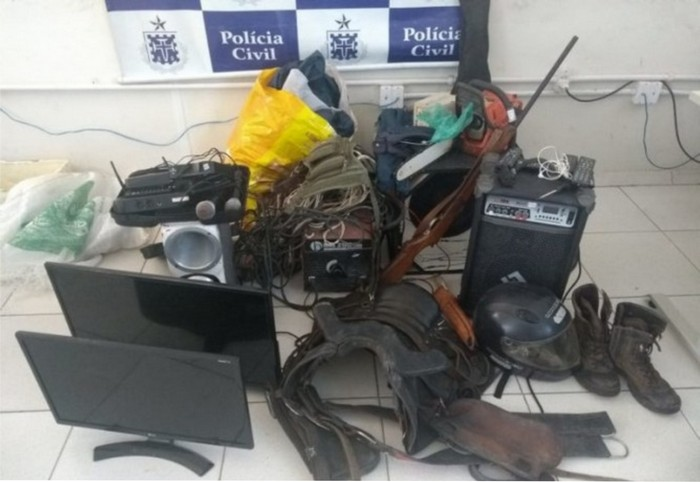 CIPE-MA faz grande apreensão de drogas e objetos roubados; um morre em confronto