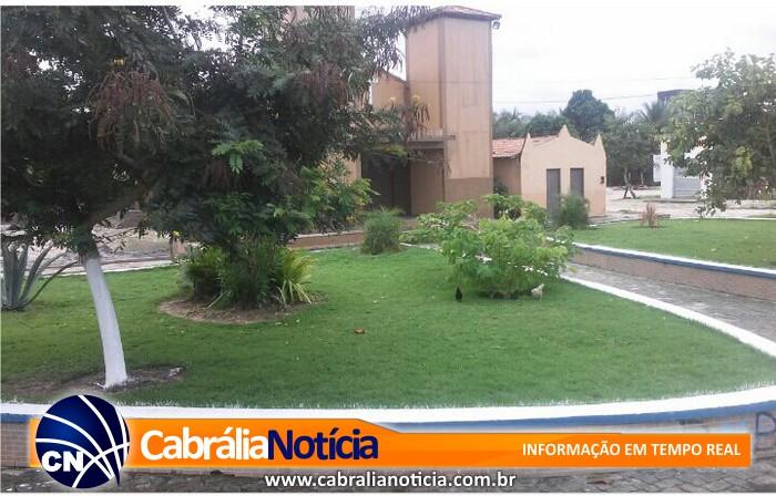 Prefeitura municipal começa preparativos para festa de Santo Antônio com limpeza geral do distrito
