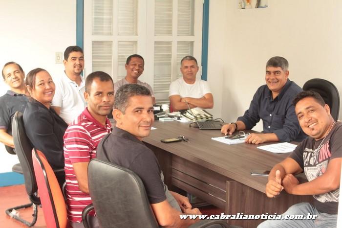 Prefeito de Cabrália reúne com vereadores e discute demandas e melhorias para o município