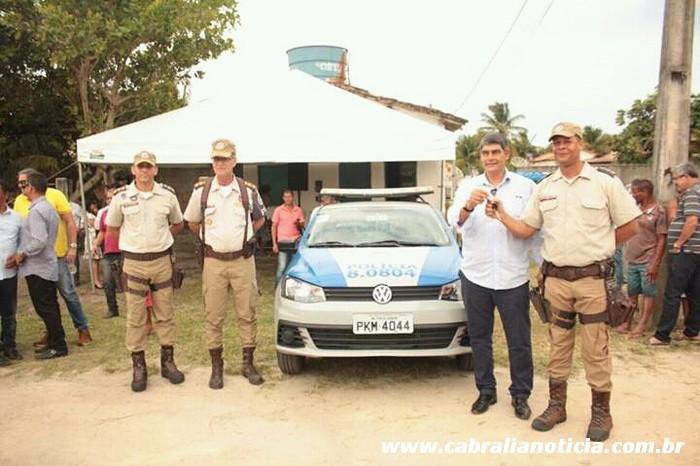 Prefeito Agnelo assina ordem de serviço e entrega viatura em Santo Antonio