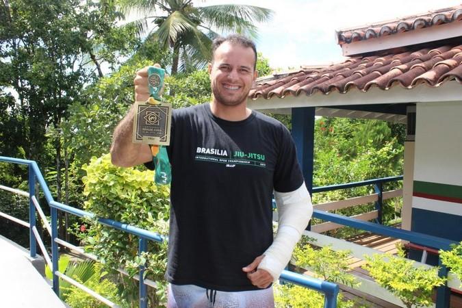 Atleta de Cabrália é medalhista no maior  campeonato de Jiu-Jitsu do mundo