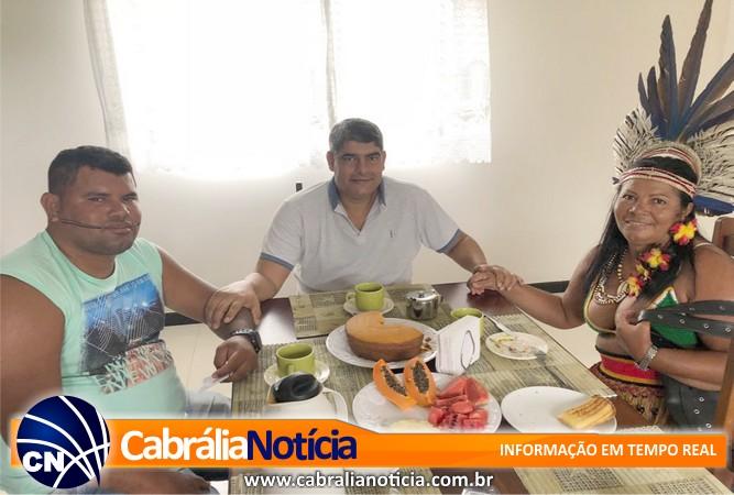 Prefeito Agnelo toma café da manhã na comunidade Nova Coroa