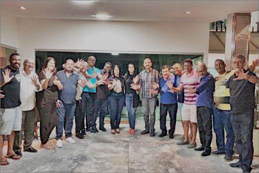 Treze vereadores da Câmara Municipal de Eunápolis reafirmam compromisso de apoiar Larissa Oliveira