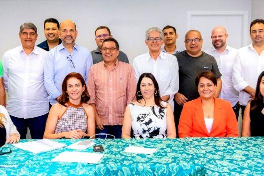 Cláudia Oliveira é eleita presidente de consórcio para Policlínica e Peba é o vice