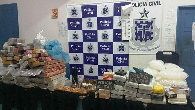 ARRAIAL D'AJUDA. MAIS DE 87 QUILOS DE DROGAS E GRANDE ARSENAL DE MUNIÇÃO APREENDIDOS EM AÇÃO POLICIAL