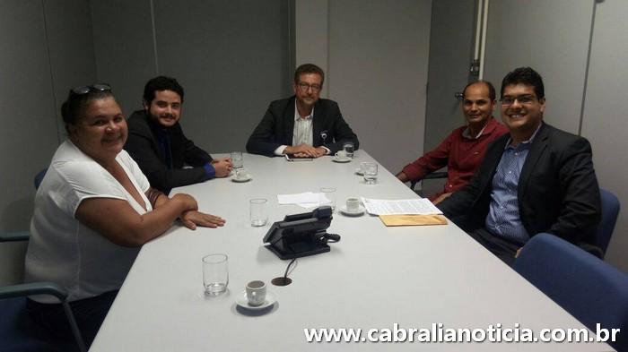 Prefeito interino Carlos Lero, luta pelo não fechamento da Caixa em Cabrália