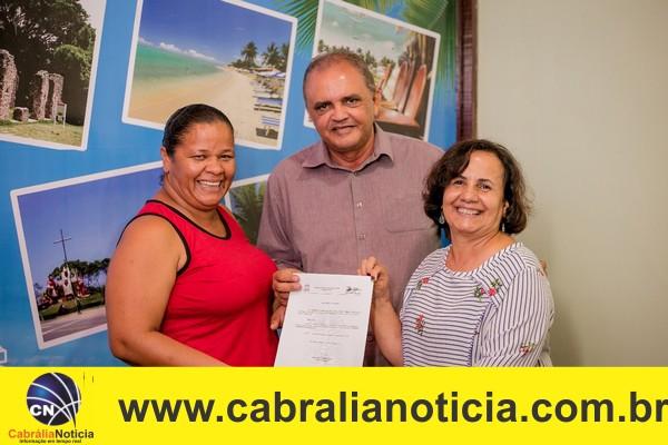 Tomam posse diretora e vices da escola indígenas em Cabrália.