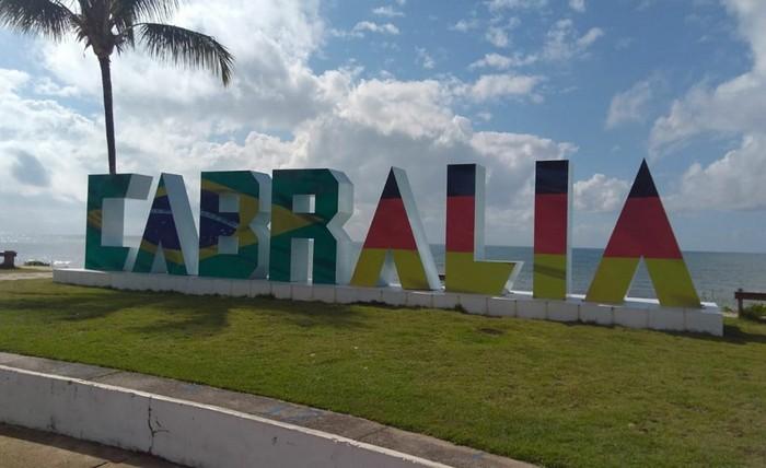 Cabrália se pinta com as cores da bandeira do Brasil e Alemanha para torcer na Copa de 2018