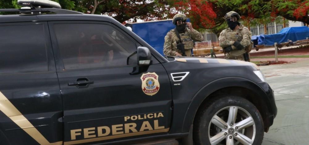 Polícia Federal realiza operação para apurar desvios de verbas federais em Itapebi.