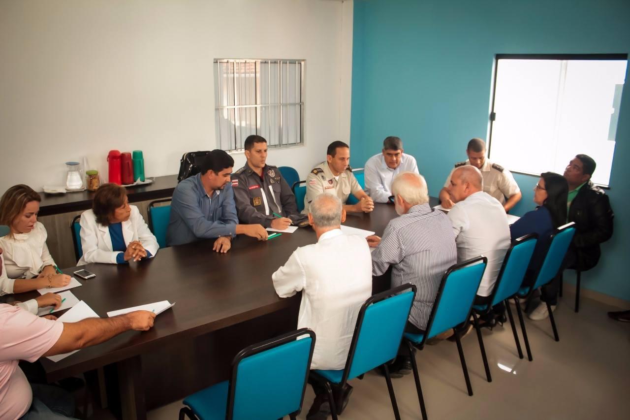 Prefeito participa de reunião sobre segurança pública