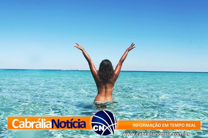Domingo de Sol e praias cheias em Santa Cruz Cabrália