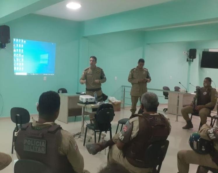 8° BPM REALIZA CAPACITAÇÃO DE POLICIAIS MILITARES, EM SANTA CRUZ CABRÁLIA