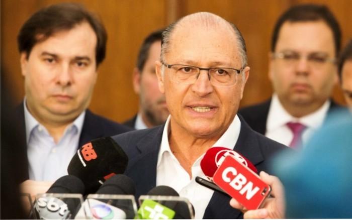 Nem Hadadd, muito menos Bolsonaro: Alckmin dá sinais de silêncio no segundo turno