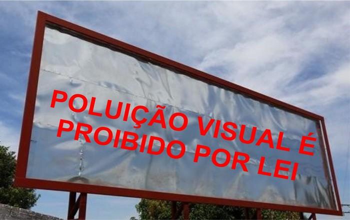 Prefeitura de Cabralia afirma que outdoor retirado no terreno do município era irregular