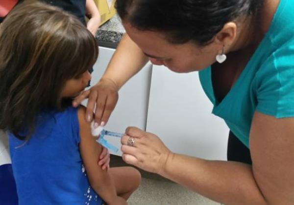 Vacina contra gripe é liberada à população a partir de segunda-feira