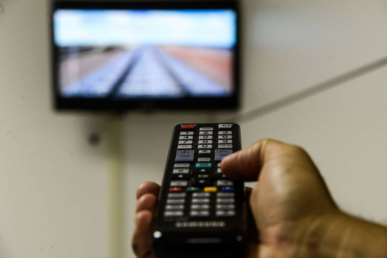 Clientes de TV por Assinatura de 11 estados receberão mensagens de alerta