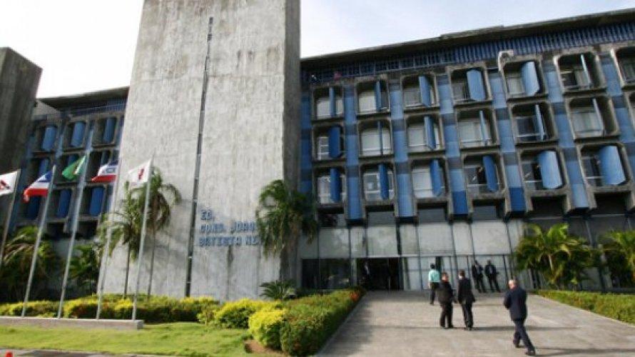 Salários de nove prefeitos baianos superam R$ 25 mil e destoam no cenário de crise