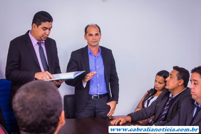 Em cerimônia na câmara de vereadores, Carlos Lero é empossado prefeito em Cabrália
