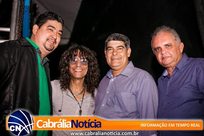 Luiz Caldas e Banda 100 Parêa agitam a 1ª noite da Festa dos Pescadores em Cabrália