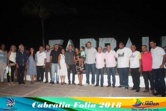 Prefeitura inaugura monumento com letreiro da cidade de Cabrália