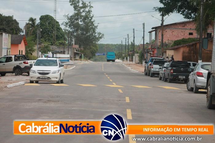 Prefeito Agnelo inaugura pavimentação asfáltica de ruas no distrito de Ponto Central