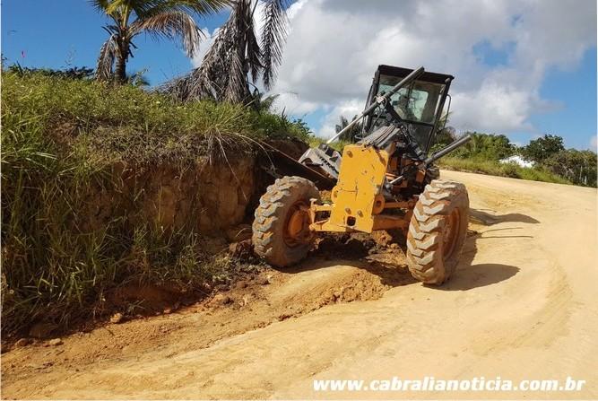 Prefeitura realiza serviços na ladeira do camurugi e bairro Moradas do Atlântico
