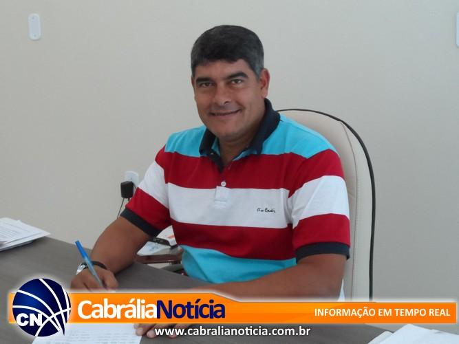CORAGEM E DISPOSIÇÃO NÃO FALTAM NO PREFEITO DE CABRÁLIA AGNELO SANTOS