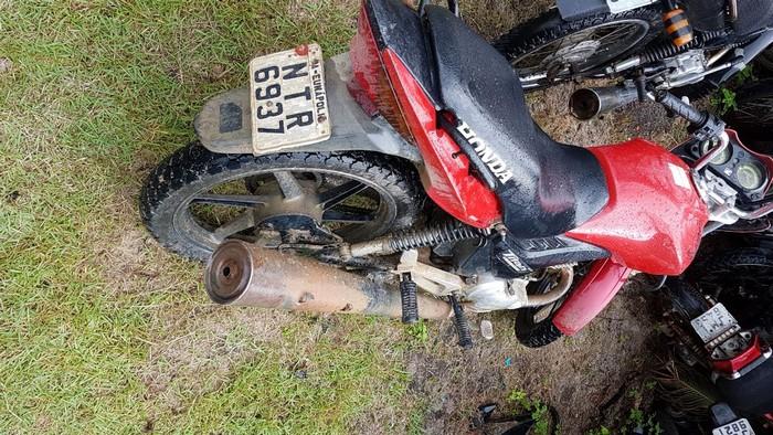 Policiais do 8ºBPM recuperam veículo roubado em Santa Cruz Cabrália.