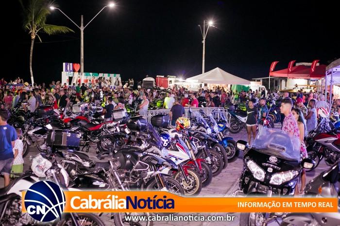 Segundo dia do Moto Show com espaço lotado.