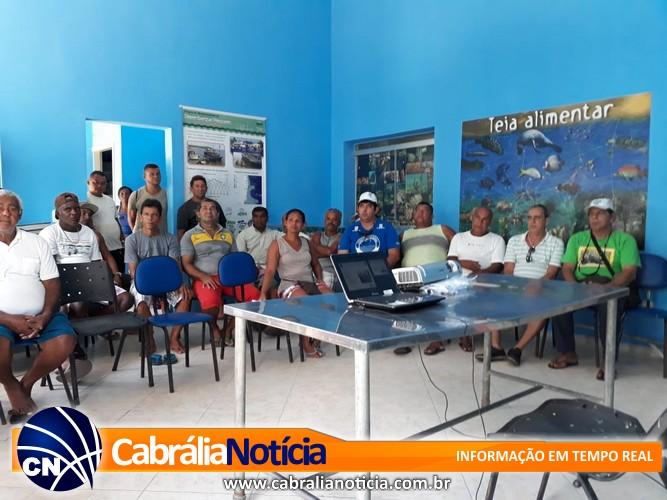 Em Santa Cruz Cabrália, Colônia Z51 recebe campanha Legal no Mar