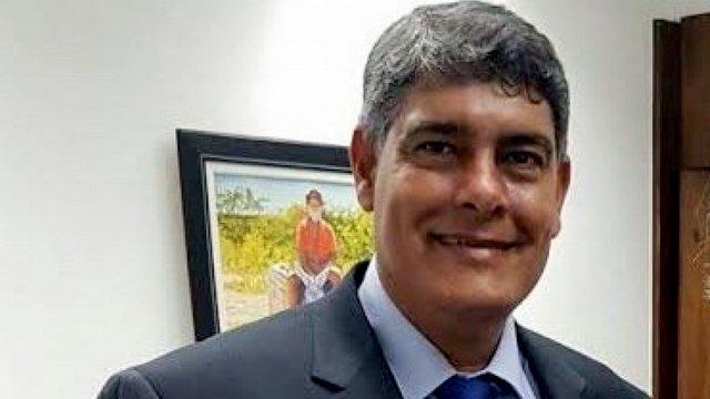 Prefeito de Santa Cruz Cabrália se apresenta à polícia Federal