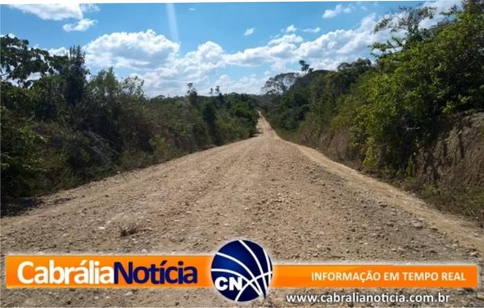 Com inicio do Ano Letivo Prefeitura intensifica manutenção de estradas rurais em Cabrália