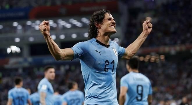 Cavani decide, Uruguai vence Portugal e vai às quartas da Copa