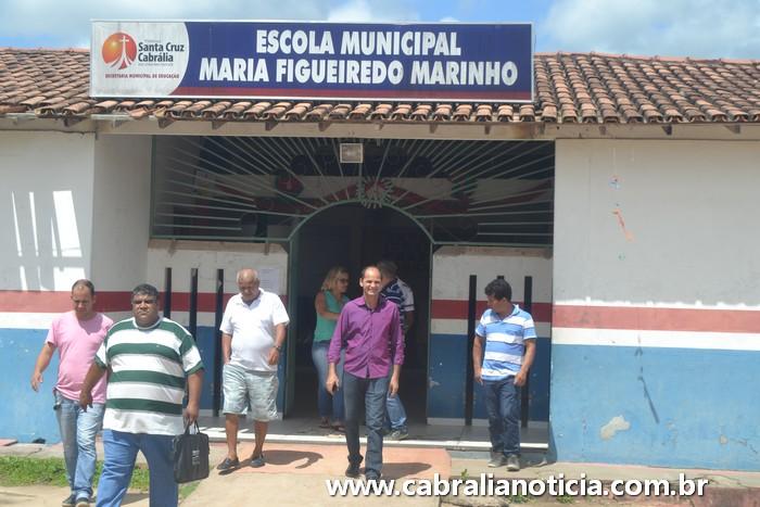Prefeito Carlos Lero visita Ponto Central e autoriza reforma da escola.