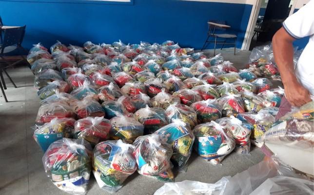 Prefeitura de Santa Cruz Cabrália inicia mais uma etapa de distribuição dos kits de alimentação escolar no município