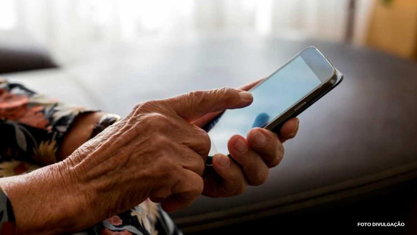 Brasil ganha 10 milhões de internautas em 1 ano, aponta IBGE
