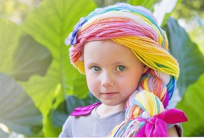 Enfermeira cria perucas de princesas e enche de magia a vida de crianças com câncer