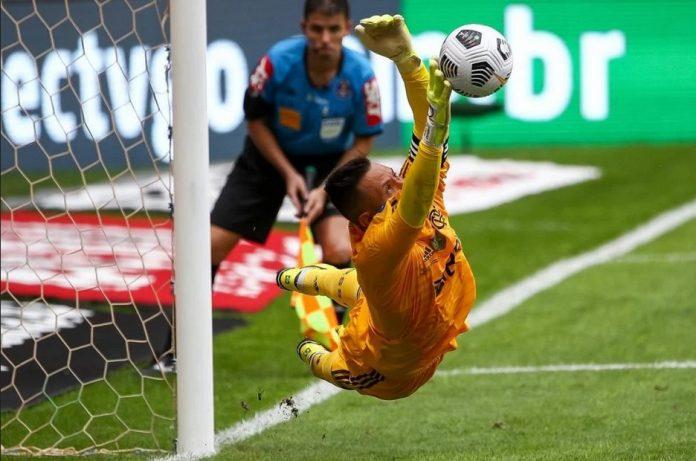 Em jogaço, Fla vence Palmeiras nos pênaltis e é campeão da Supercopa