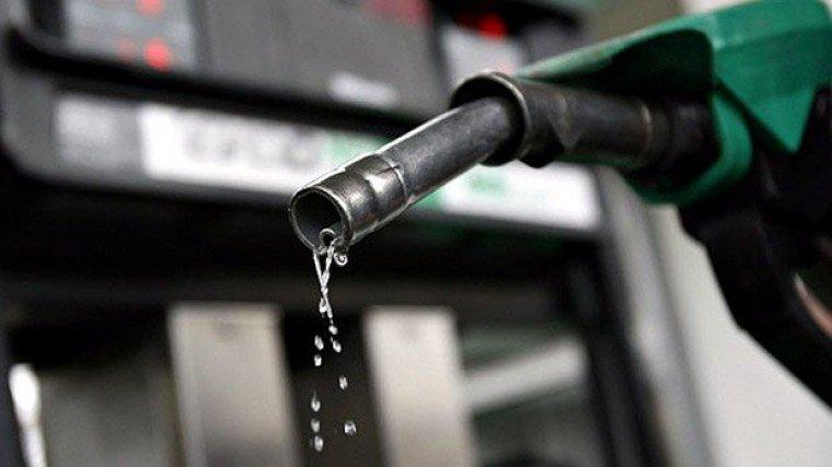 Governo cria grupo para tentar acabar com aumentos diários da gasolina
