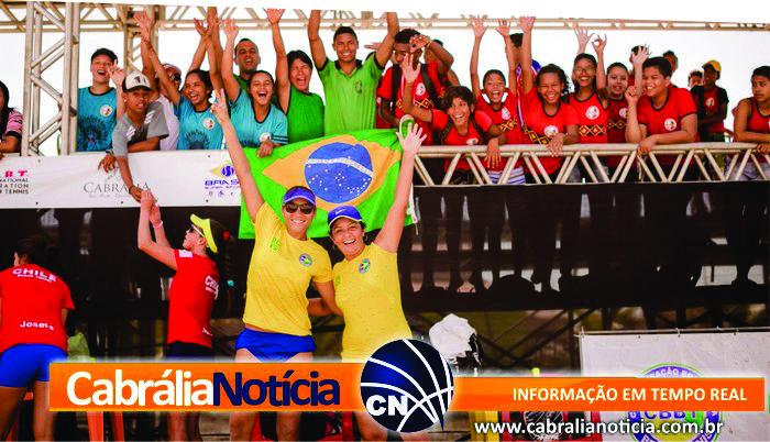 Rainha das praias do Rio comanda título por equipes do Brasil no Pan-Americano de Beach Tennis em Santa Cruz Cabrália, na Bahia