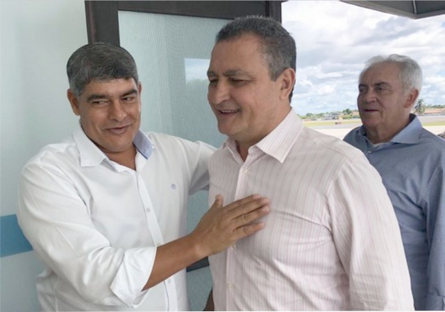Robério Oliveira viabiliza recuperação da estrada Belmonte/Cabrália