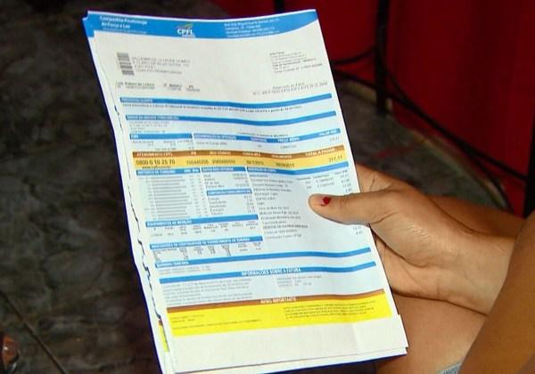 Baianos podem pagar até 15% a mais nas contas de luz em abril