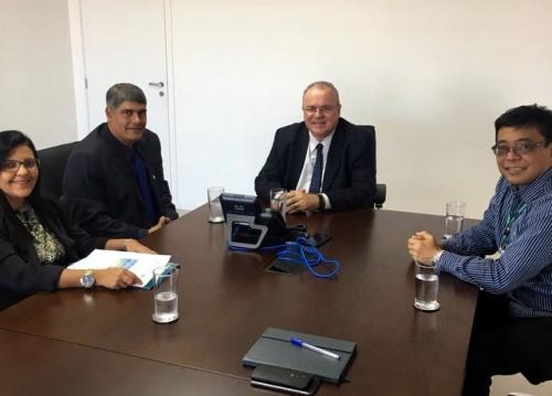 Prefeito Agnelo vai a Brasília em busca de mais verbas pra saúde