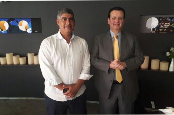 Prefeito Agnelo Santos é recebido pelo ministro Gilberto Kassab em Brasília