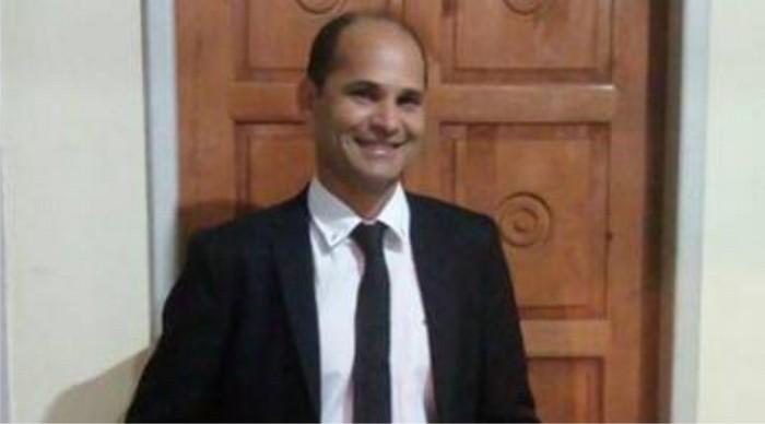 Feliz aniversário ao vice-prefeito de Cabrália Carlos Lero