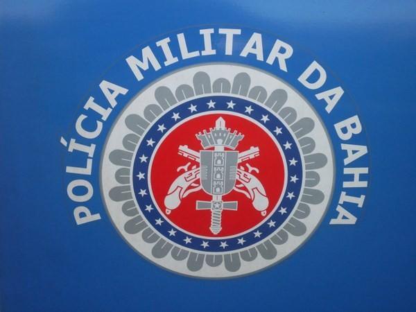 Ação da PM em Cabralia resulta na prisão de homem acusado de homicídio.