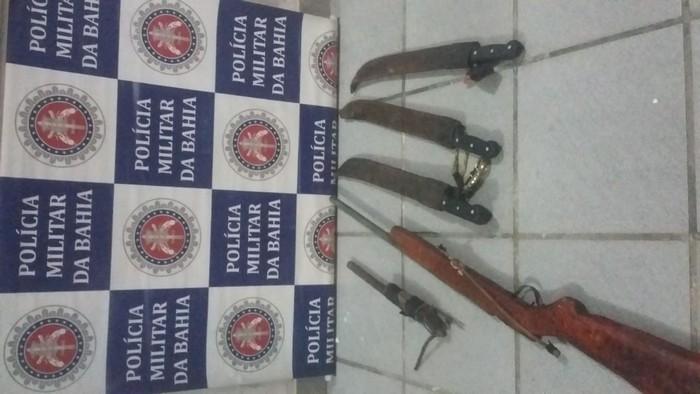 Polícia Militar realiza prisão de assaltantes que agiam na zona rural de Santa Cruz Cabrália.