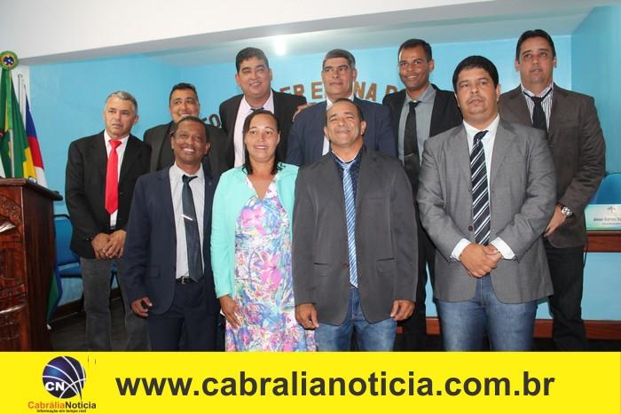 Em cerimônia na câmara de vereadores, Agnelo Júnior é reconduzido prefeito em Cabrália