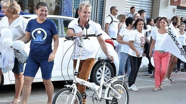 Melhor prefeito do Brasil ganha R$ 7 mil e vai palestrar em Harvard com recursos próprios